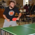 Miguel sert... au ping-pong!